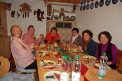 2011-12-16 Marketenderinnen bei Elfriede 005